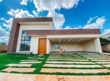 Casa · 370m² · 3 Quartos · 6 Vagas