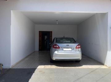 Casa · 183m² · 3 Quartos · 4 Vagas