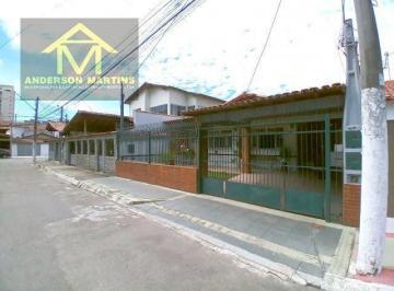 Casa · 200m² · 4 Quartos · 2 Vagas