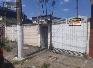 Casa · 180m² · 3 Quartos · 8 Vagas