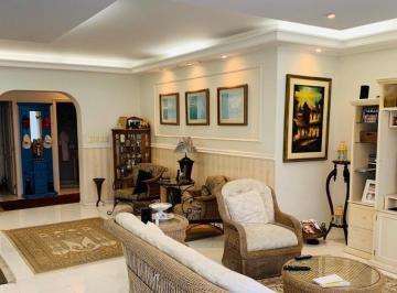 Apartamento · 300m² · 4 Quartos · 2 Vagas