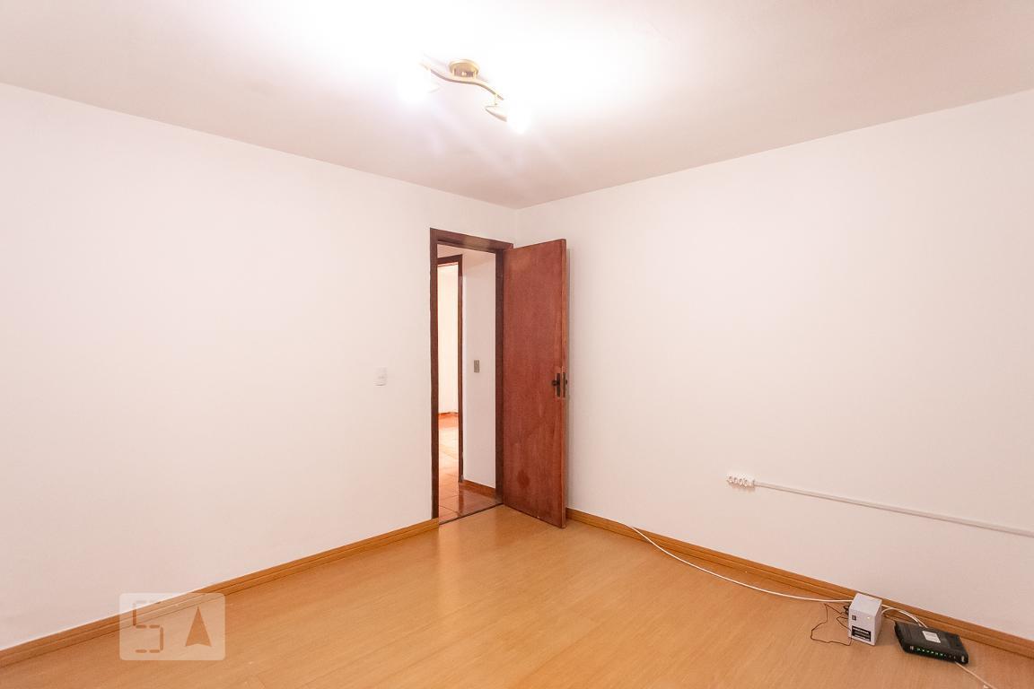 Casa para Aluguel - Teresópolis, 3 Quartos,  64 m² - Porto Alegre