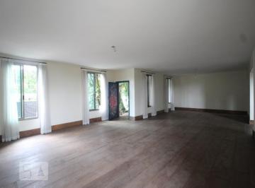 Casa · 500m² · 4 Quartos · 3 Vagas