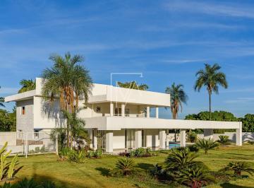 Casa · 450m² · 5 Quartos · 4 Vagas
