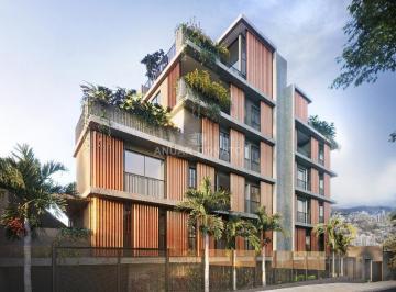 Apartamento · 164m² · 4 Quartos · 2 Vagas