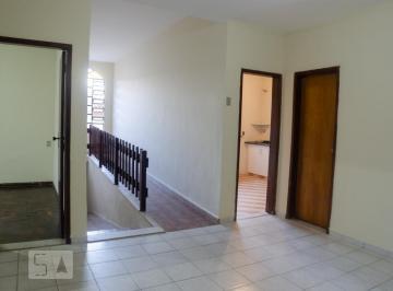 Casa · 300m² · 3 Quartos · 2 Vagas