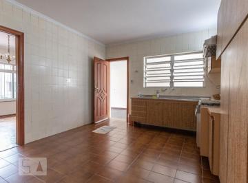 Casa · 120m² · 3 Quartos · 7 Vagas