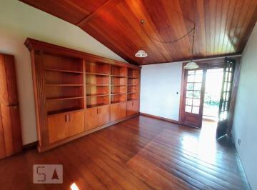 Casa · 460m² · 5 Quartos · 5 Vagas