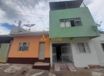 Casa · 5 Quartos · 1 Vaga