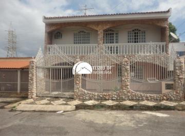 Casa · 6 Quartos · 7 Vagas