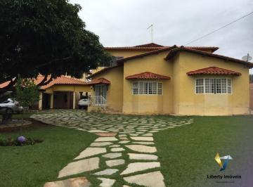 Casa · 400m² · 7 Quartos · 3 Vagas
