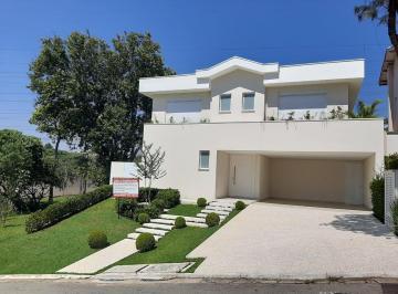 Casa · 421m² · 5 Quartos · 6 Vagas