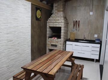 Casa · 84m² · 3 Quartos · 2 Vagas