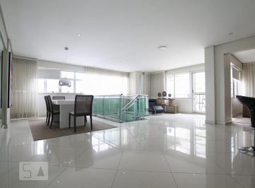 Apartamento · 190m² · 3 Quartos