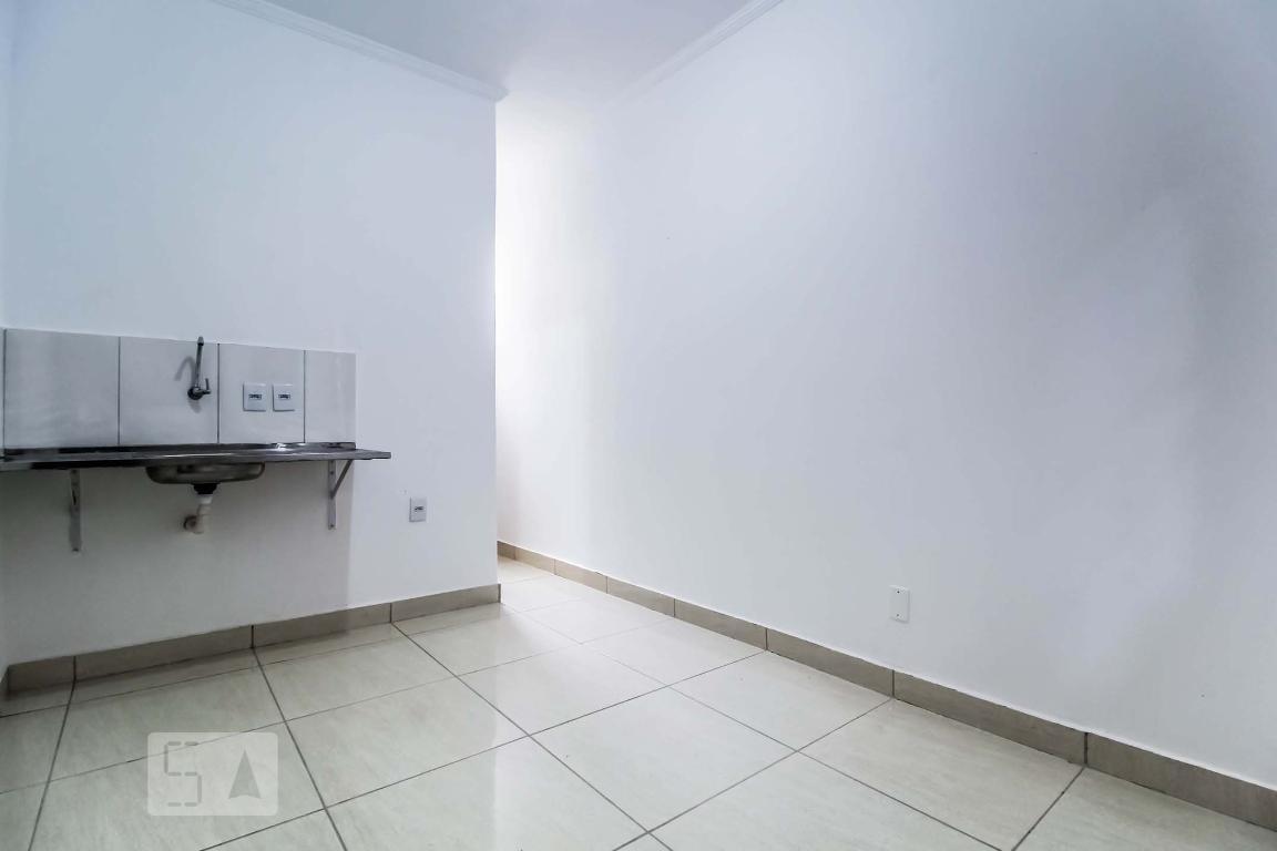 Casa para Aluguel - Jardim América, 1 Quarto,  14 m² - Goiânia