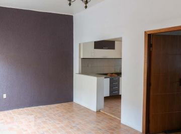 Casa · 140m² · 4 Quartos