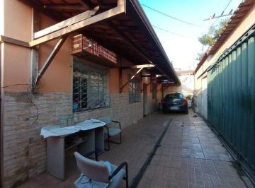 Casa · 157m² · 3 Quartos · 2 Vagas
