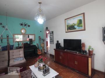 Casa · 270m² · 5 Quartos · 4 Vagas