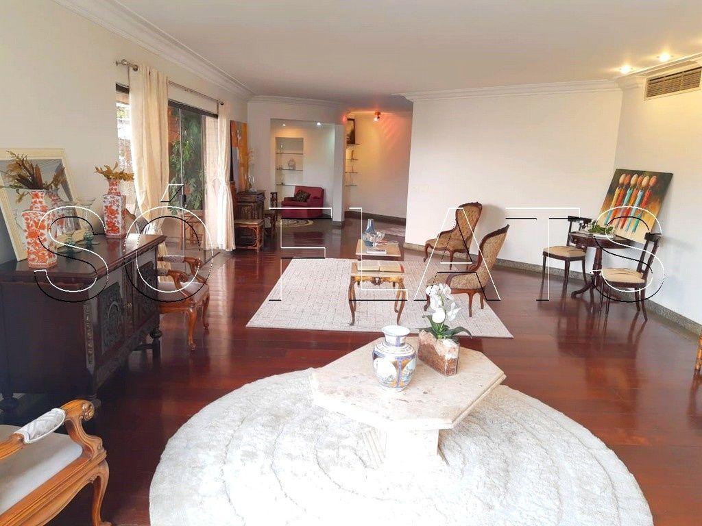 Apartamento com 419m², alto padrão sem mobília em Moema