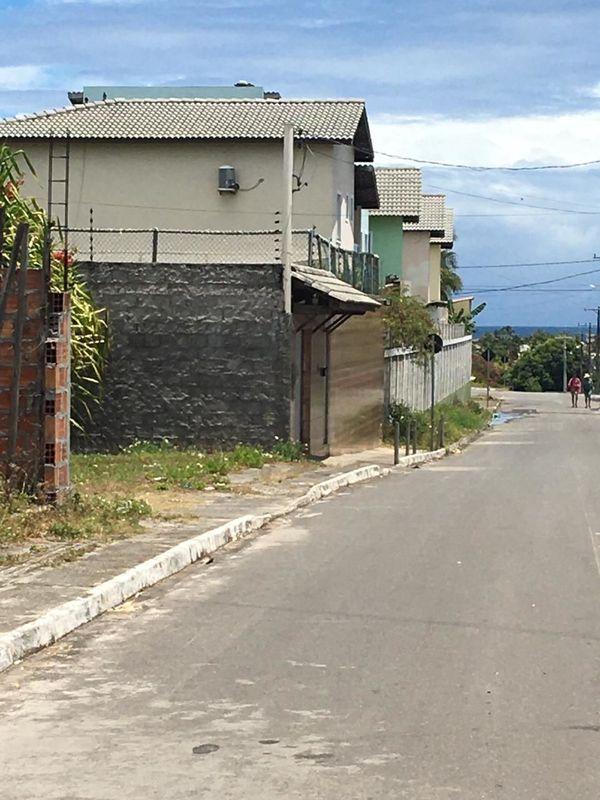 Casa Padrão à venda em Lauro de Freitas/BA