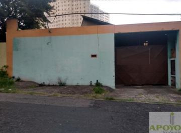 Casa · 180m² · 2 Quartos · 6 Vagas