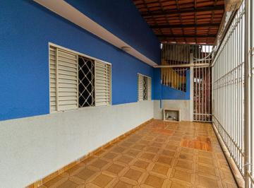 Casa · 135m² · 4 Quartos · 2 Vagas