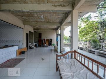 Casa · 600m² · 4 Quartos · 2 Vagas