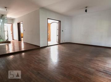 Casa · 520m² · 5 Quartos · 3 Vagas