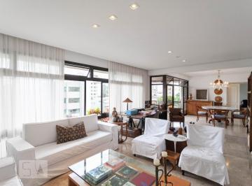 Apartamento · 240m² · 3 Quartos · 3 Vagas