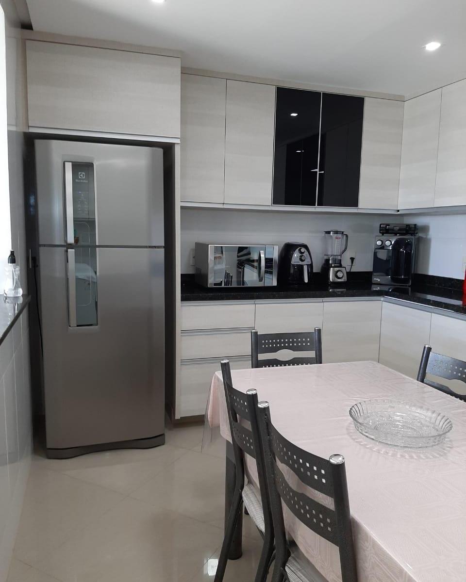 Vicente Pires, apartamento, 3 quartos, suíte, varanda, elevador, vaga, Rua 8