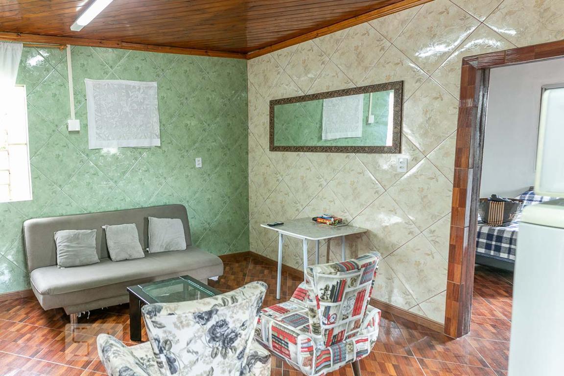 Casa para Aluguel - Partenon, 2 Quartos,  65 m² - Porto Alegre