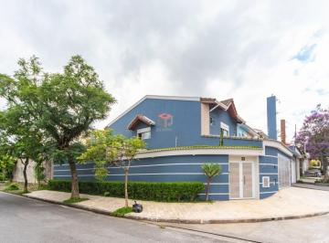 Casa · 259m² · 3 Quartos · 4 Vagas