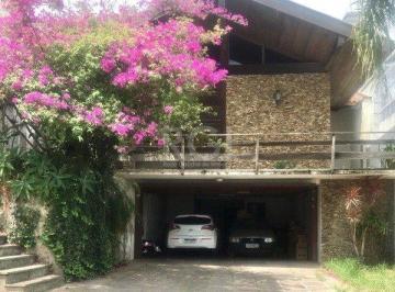 Casa · 442m² · 5 Quartos · 4 Vagas