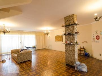Casa · 400m² · 4 Quartos · 3 Vagas