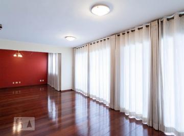 Apartamento · 185m² · 4 Quartos · 4 Vagas