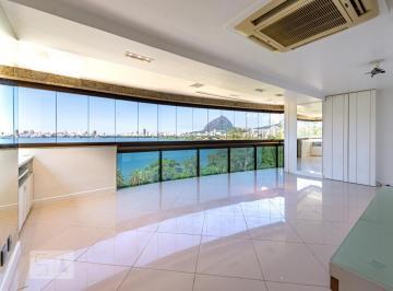 Apartamento · 317m² · 4 Quartos · 3 Vagas
