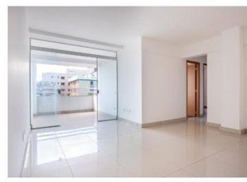 Apartamento · 81m² · 2 Quartos · 3 Vagas