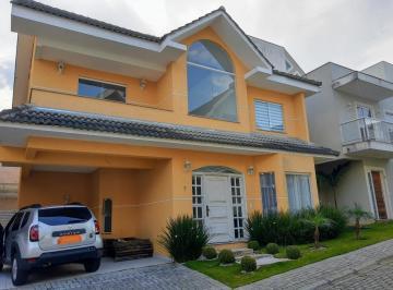 Casa · 248m² · 5 Quartos · 4 Vagas