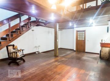 Casa · 200m² · 4 Quartos · 7 Vagas