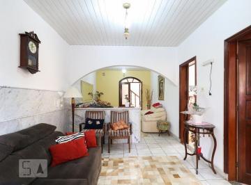 Casa · 205m² · 4 Quartos · 2 Vagas