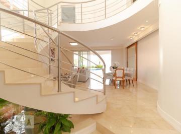 Casa · 425m² · 4 Quartos · 4 Vagas