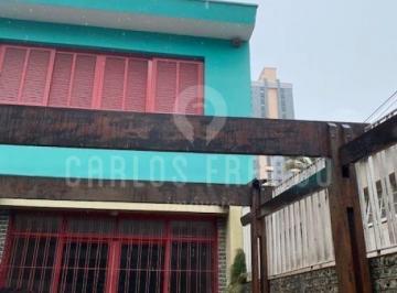 Casa · 300m² · 12 Quartos · 6 Vagas