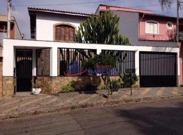 Casa · 185m² · 3 Quartos · 4 Vagas