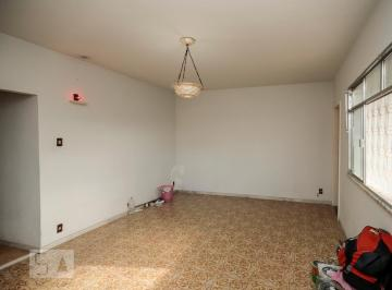 Casa · 250m² · 6 Quartos · 2 Vagas