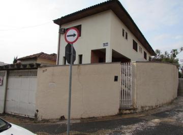 Casa · 202m² · 4 Quartos · 2 Vagas