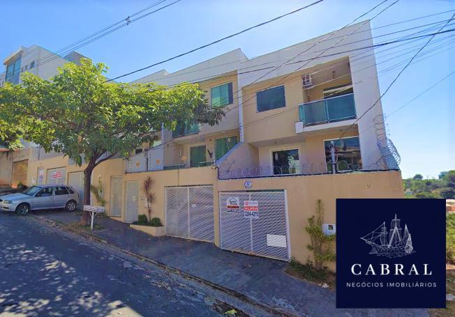 Excelente casa 3 quartos a venda no bairro Cabral Contagem