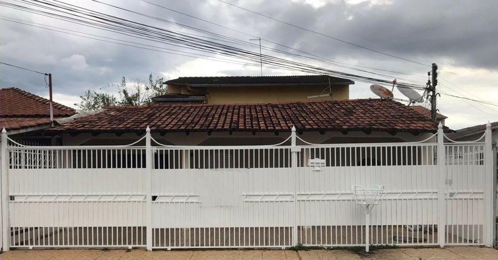 Casa padrão 5 quartos no Guará II - Aceita Financiamento