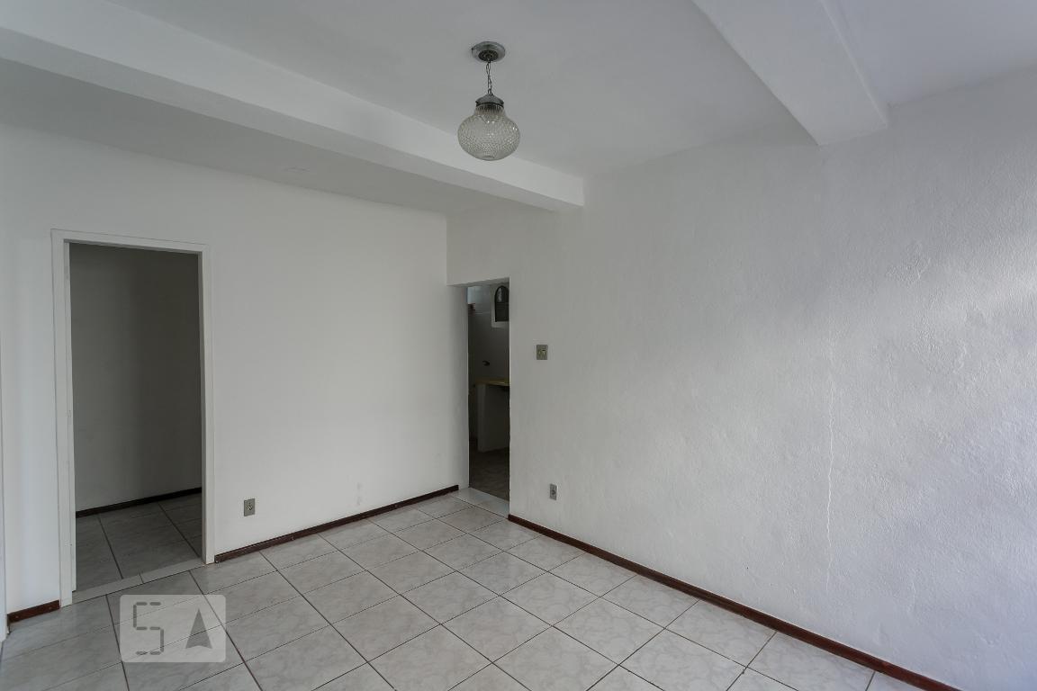 Casa para Aluguel - São Geraldo, 2 Quartos,  60 m² - Belo Horizonte