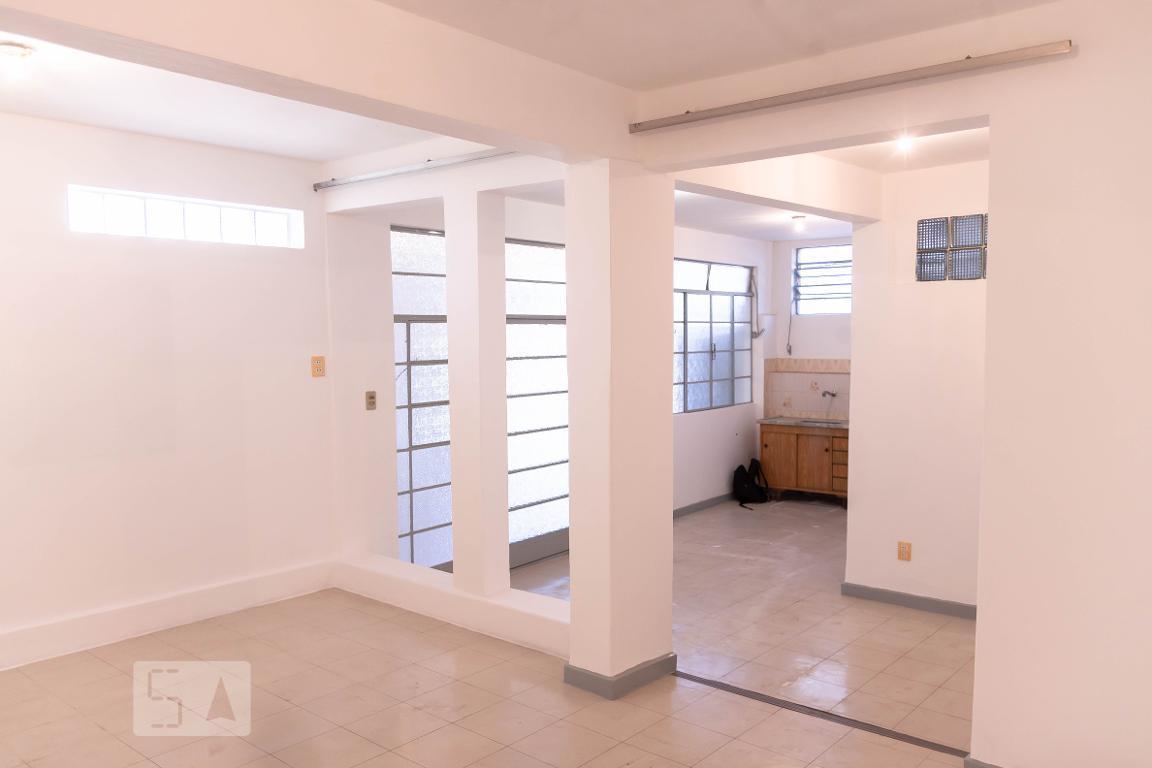 Casa para Aluguel - Salgado Filho, 1 Quarto,  50 m² - Belo Horizonte