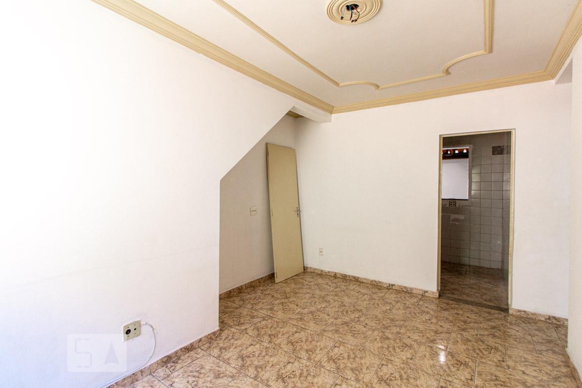 Casa para Aluguel - Vila Cloris, 2 Quartos,  68 m² - Belo Horizonte